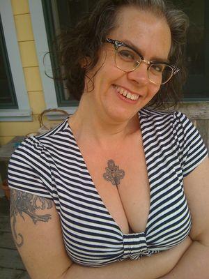 Greta boobquake 2