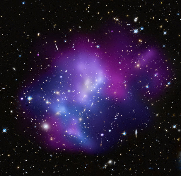 Cosmic_Heavyweights_in_Free-For-All-_One_of_the_most_complex_galaxy_clusters,_located_about_5.4_billion_light_years_from_Earth.