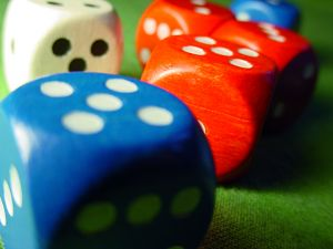 Red_and_blue_dice_3