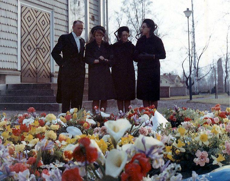 Gravblom1966