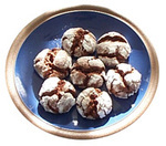 Chocolate_crinkle_cookies