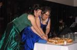 Cutting_the_cake
