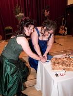 Cutting_cake